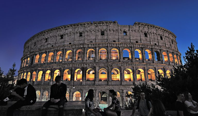Frasi celebri su Roma –  Si può descrivere Roma con un unico aggettivo?