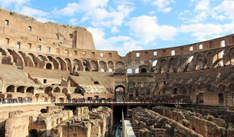 Vista panoramica del Colosseo